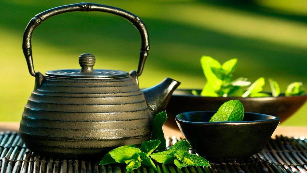 Exemplo de alimentos para combater a celulite: chá verde